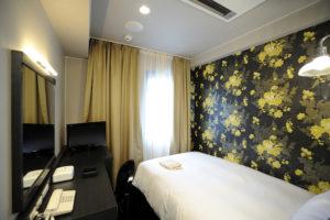 025_HOTEL ECLAIR_room01